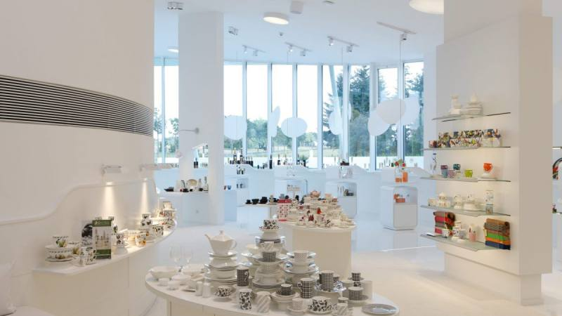 RC showroom_23